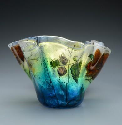 Vase on gradiant grey 1