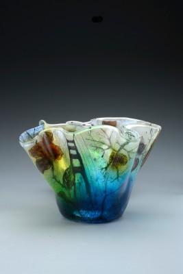 Vase on gradiant grey 2